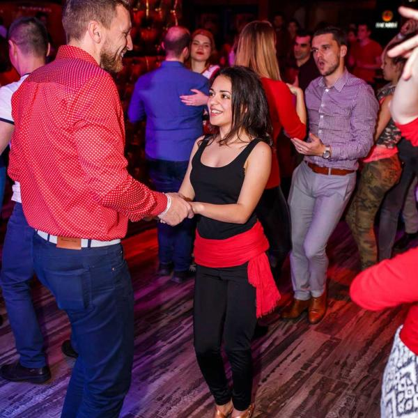 Salsa on Sunday la Club 30